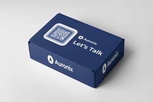 minimalistic-mockup-of-a-cardboard-box-2572-el1